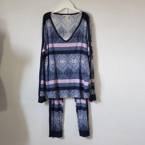 VICTORIA'S SECRET Thermal Pajamas Set Size XL
